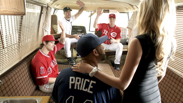 Kate Upton Coaches Finger Mechanics to Baseball Pros