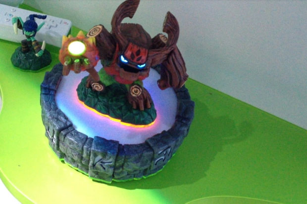 Skylanders Giants Toy Fair 2012 Wrap: Pearl Hex, Metallic Cynder, Alchemist and More
