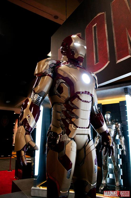 Marvel Unveils Unusually Colored Iron Man 3 Armor at Comic-Con