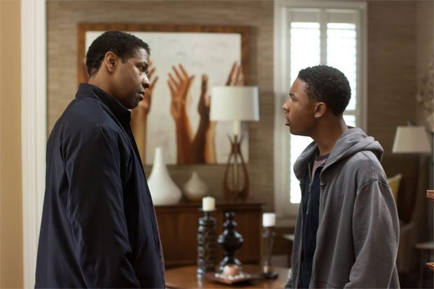 Flight Review: Denzel Washington Spirals Out of Control